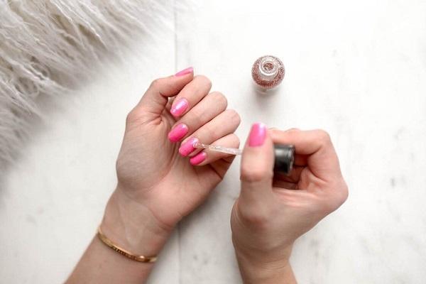 manicure hybryda