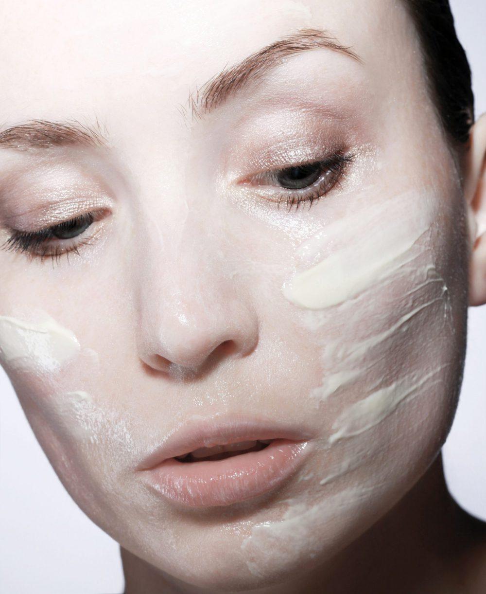 stosowanie kremu na twarz - co warto wiedzieć?